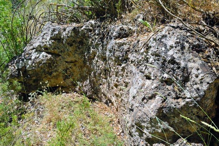 cantera piedras de molino en Ruidera