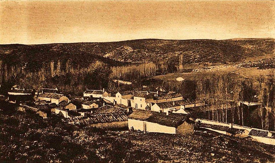 Vista general de Ruidera en 1930, todavía habitaban varios moradores de Ruidera en 1895