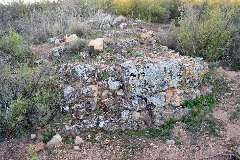 Muro del poblado romano del Vado de las Piedras