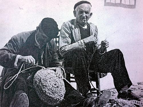 Trabajadores del negocio el esparto en el Alto Guadiana