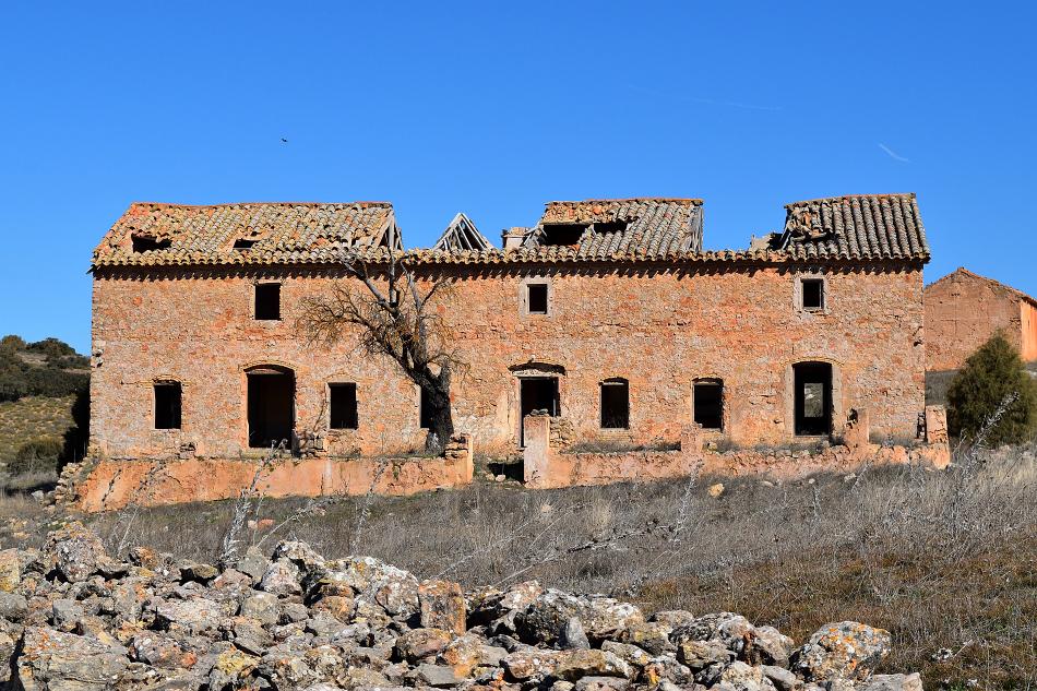 Casa de los maquinistas de la central hidroeléctrica de El Ossero