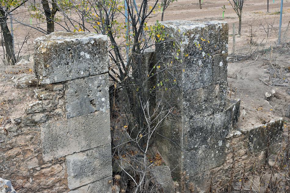 Sillares de la esclusa de uno de los puentes de Alameda de Cervera
